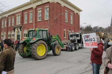 Port-Hope-tractor-protest